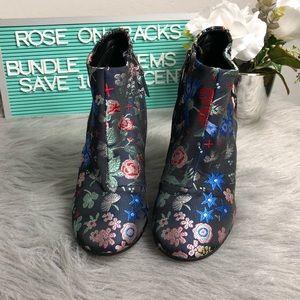 5c94a7a3f5a5f8 Sam Edelman Shoes - Sam Edelman Campbell Floral Fabric Booties Heel